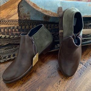 Naot Leather Ankle Boots-Helm Brown/Olive Sz.-40